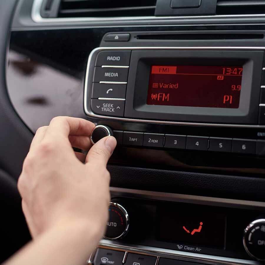 Agence communication M COM Marseille 13012 Création de site web internet et référencement publicité SEO campagne emailing radio nrj nostalgie chérie fm